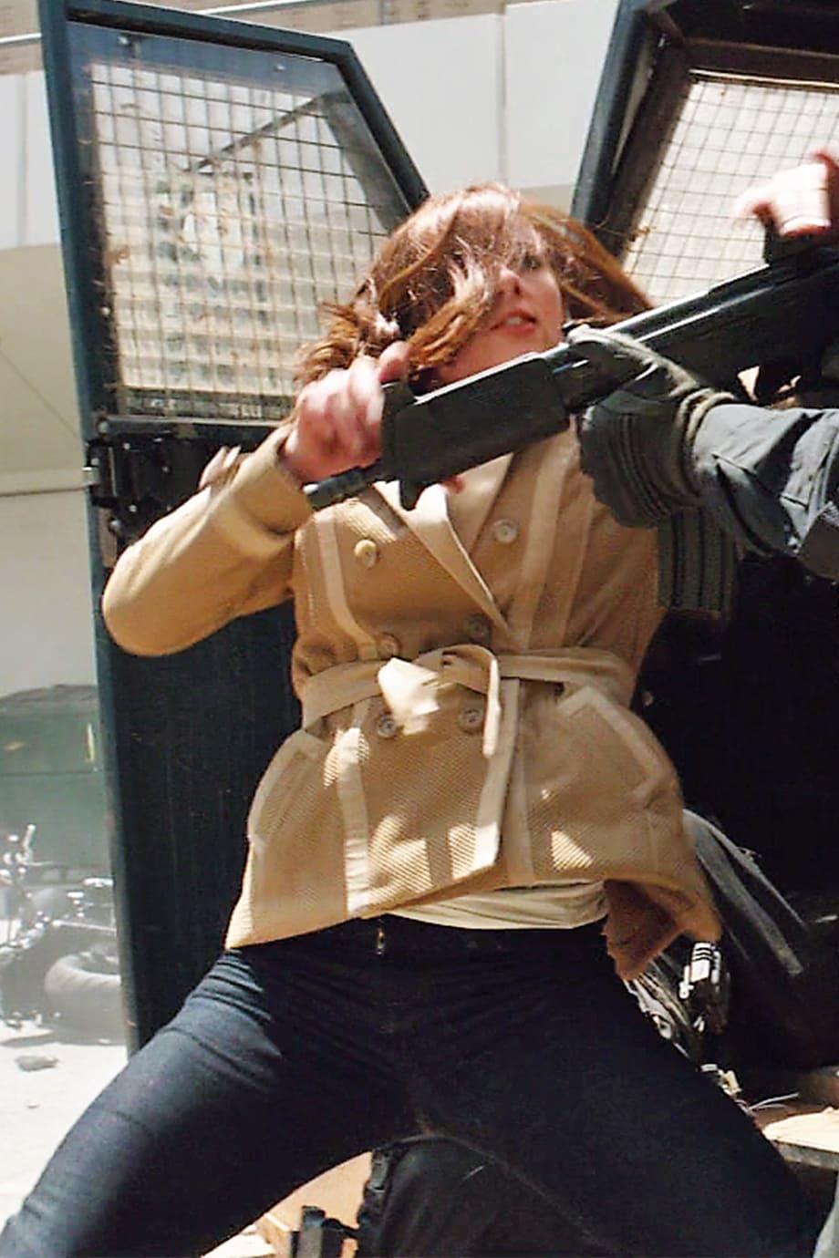 image Arborer le look de (Black Widow) Natasha Romanoff en jeans J Brand 16